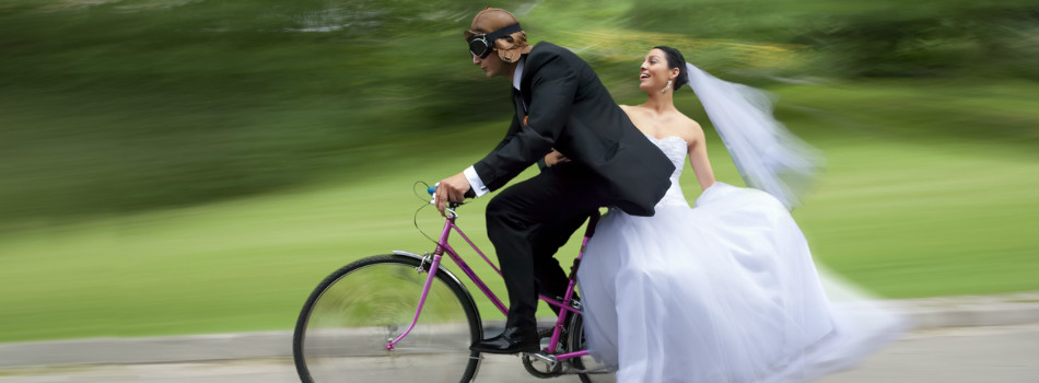 man-tries-to-swap-engagement-ring-for-a-bike
