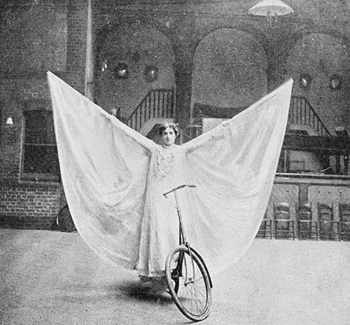 Stunt Bikers from 100 Years Ago (10)