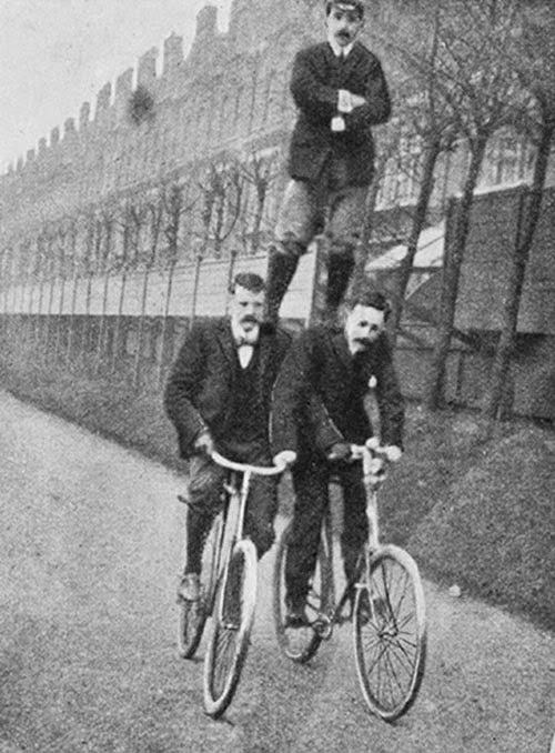 Stunt Bikers from 100 Years Ago (8)