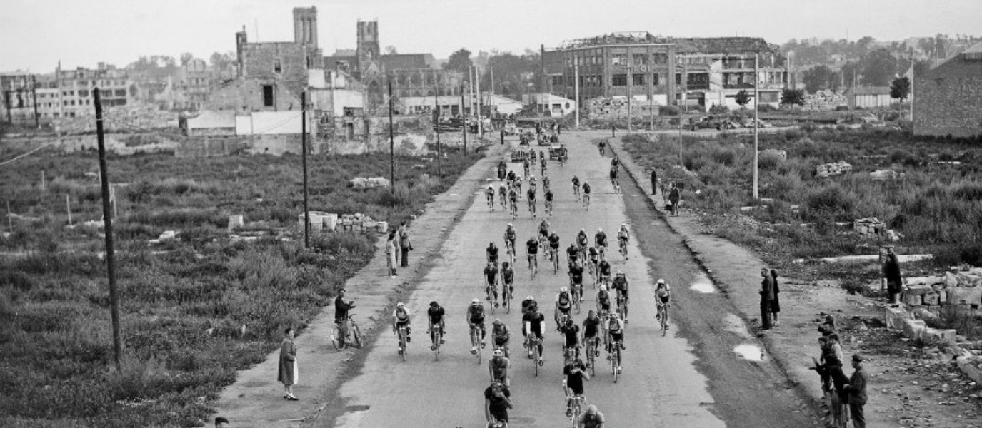 10 Iconic Photographs from the History of Le Tour de France