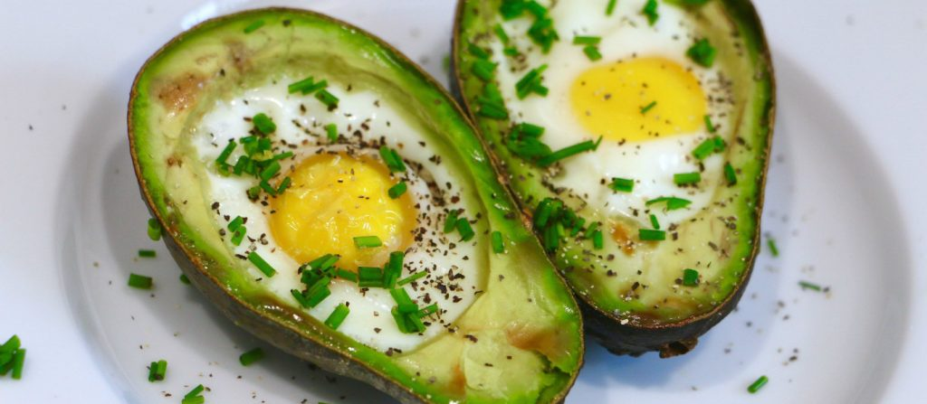 macronutrients-baked-egg-avocado-boats