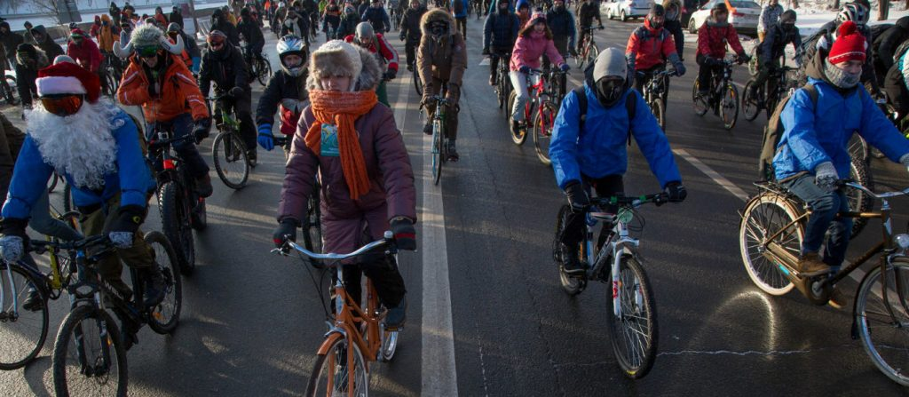 whats-like-ride-truly-freezing-conditions-check-bicycle-parade-moscow-28%cb%9ac