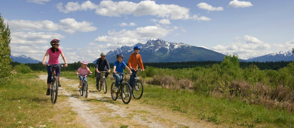 three-best-100km-8-day-cycling-summer-vacations-kids