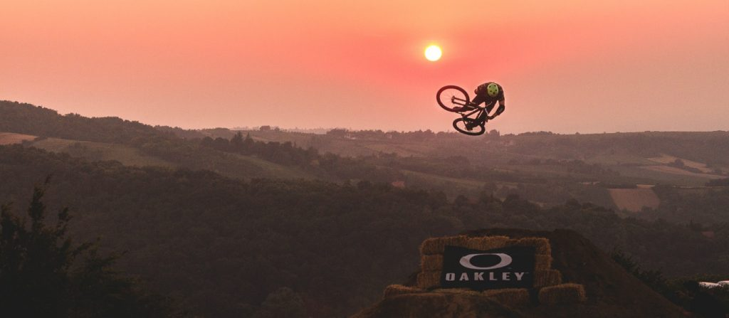 support-young-dirt-jumpers-road-movie-dream