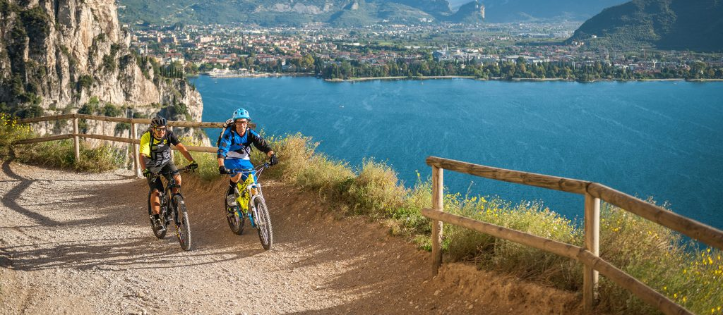 lake-garda-will-boast-spectacular-new-140-kilometer-cycle-path