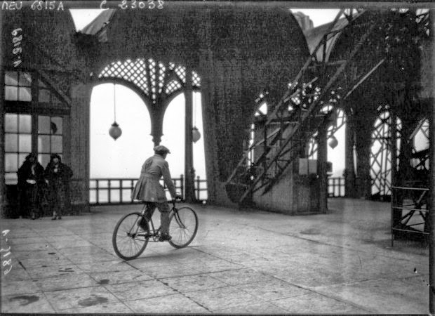 Cycling down the Eiffel Tower (3)