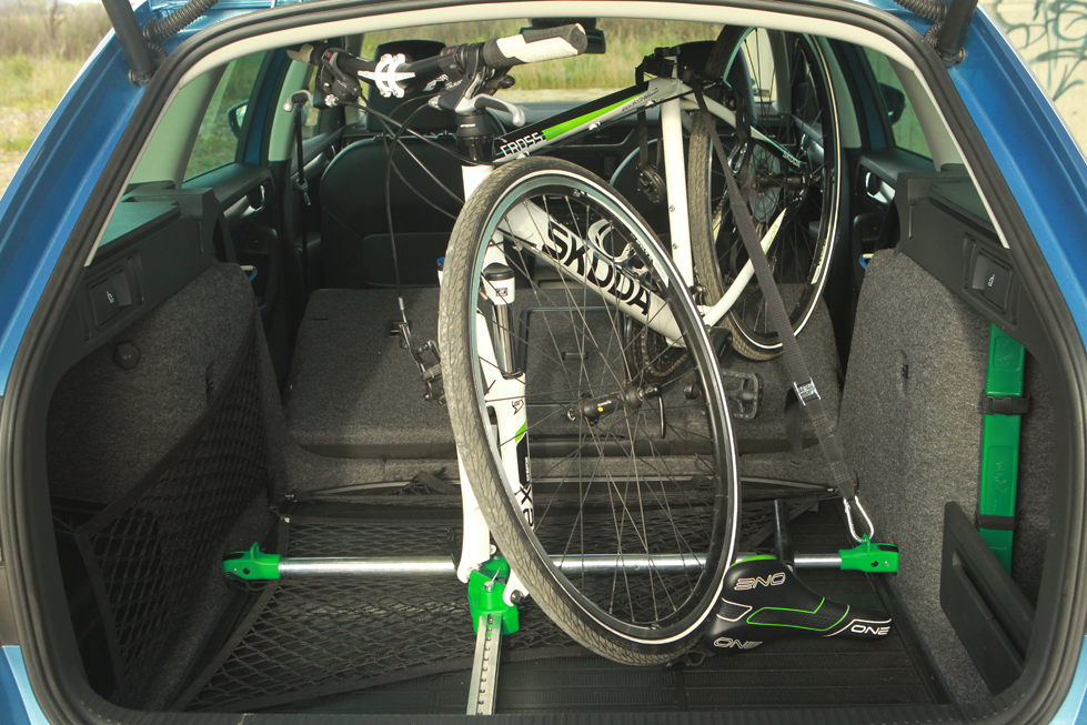 bikes in the car welovecycling magazine. Black Bedroom Furniture Sets. Home Design Ideas