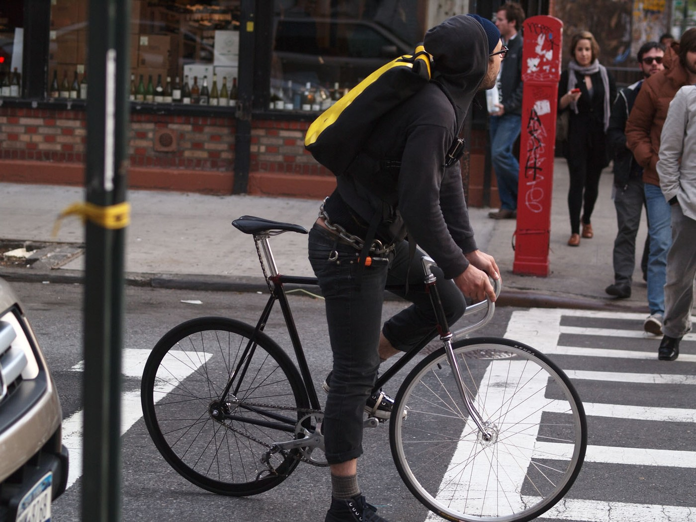 Demons on fixed gear bikes - WeLoveCycling magazine