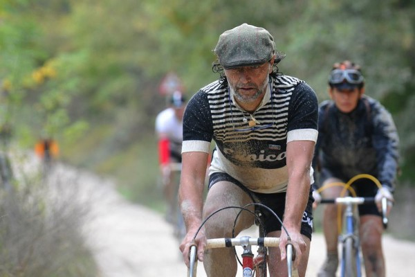 Another truly unique experience is offered by L'Eroica. Organized since 1997 and surrounded by gorgeous scenery, it's a race on ancient roads using obsolete bikes.