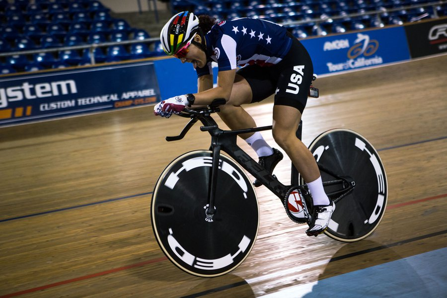 Behold the Felt TA FRD track bike. The USA riders are going to use it at the Rio 2016 Olympic Games and it is simply stunning. Mainly because of the ingenuity of the Felt engineers who have moved the drivetrain to the left side of the bike.