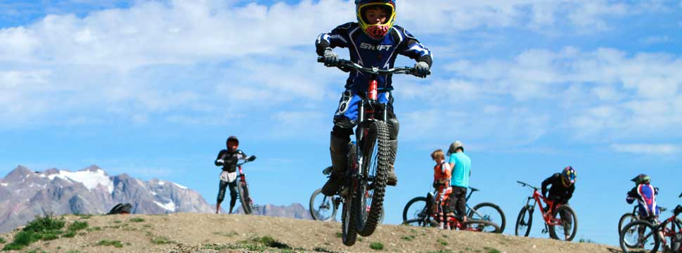 "Because children need specific teaching methods, French mountain biking school Ecole VTT offers special ""Mini Bikers"" sessions and courses that have been created especially for children and their needs."