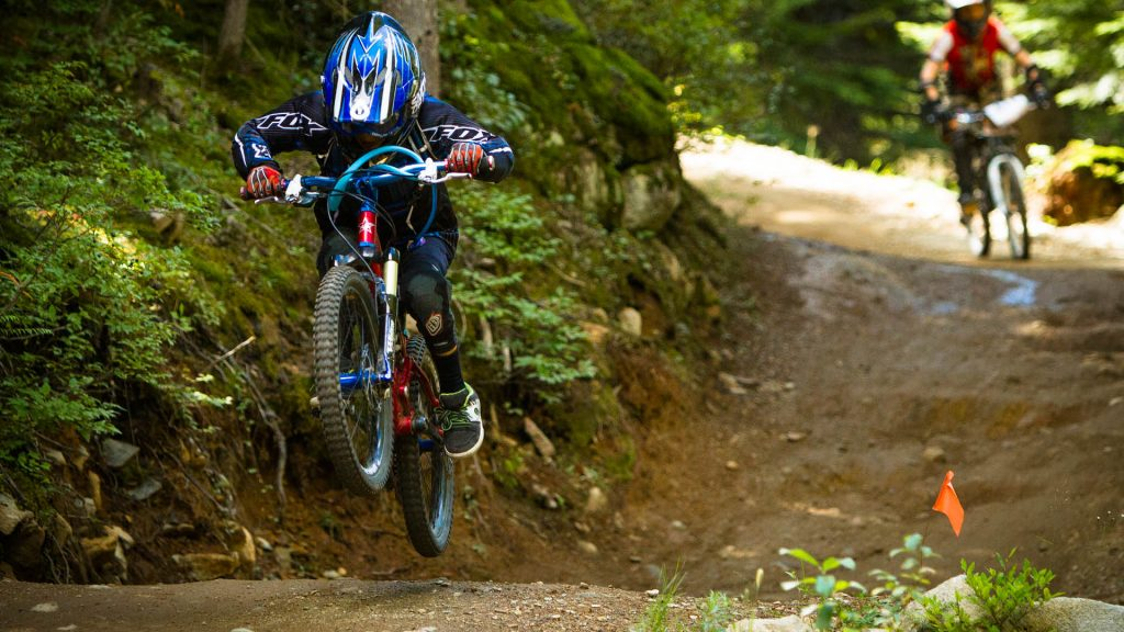 Whistler is the dream destination of all gravity-oriented bikers. Take your children with you on your Canadian holidays and let them learn how to ride the best bike area of the world. DFX 5 Days Camp is back for another 10 weeks this summer.