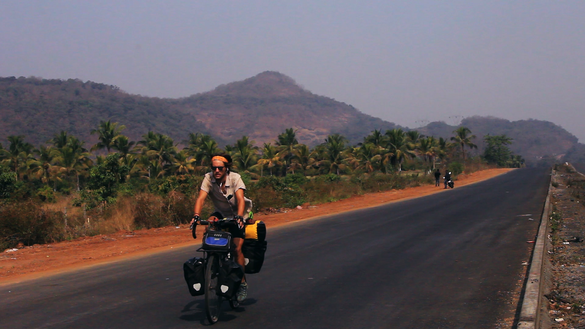road-to-mumbai-still002