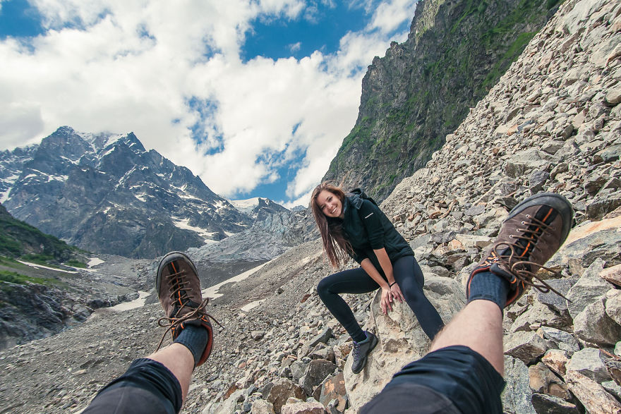 couple-sharing-stunning-photographs-from-their-mountain-bike-adventure-in-the-georgian-caucasus9__880