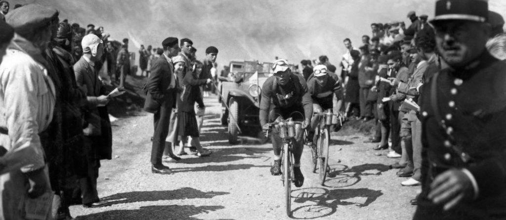 10 iconic photographs from the history of le tour de france vol 3