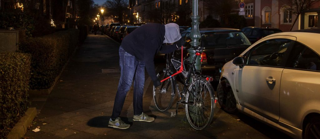 three-electronic-devices-help-track-stolen-bike
