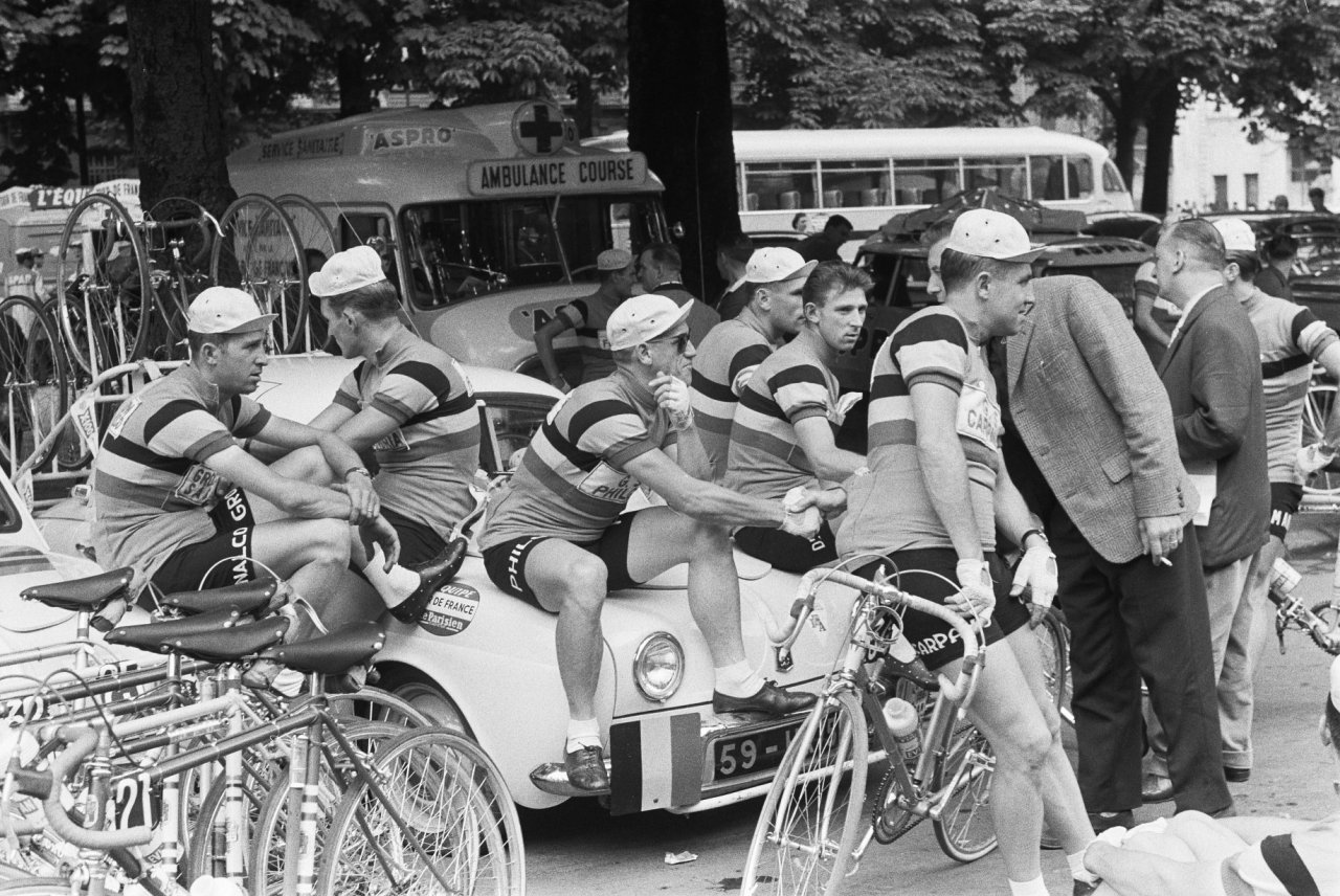 Tour de France Back in the Day: Check Out 10 Historical ...