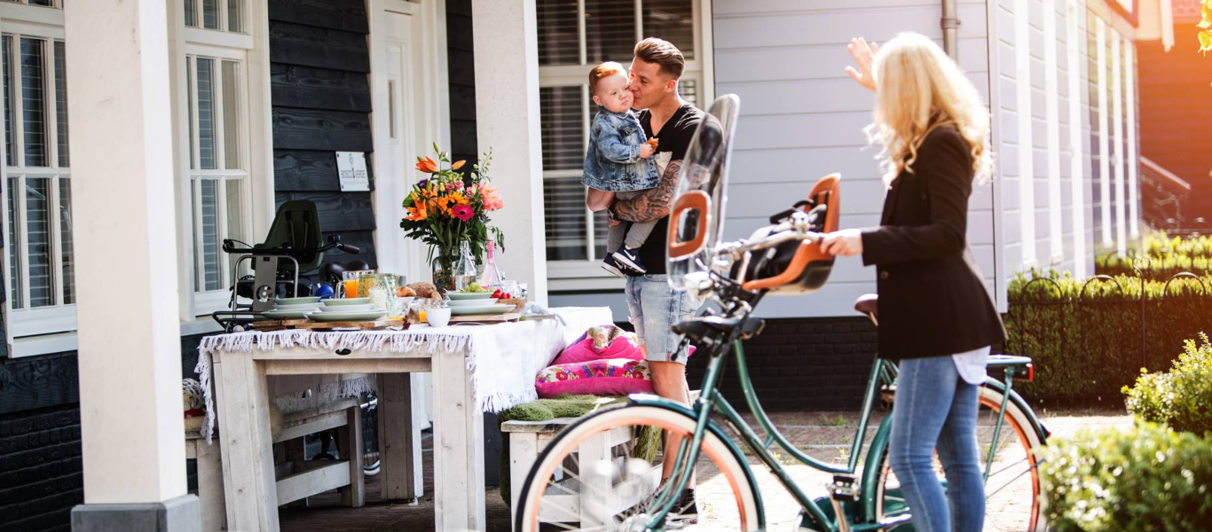 d67a62a23b7 Handy Guide  How to Carry Your Child on a Bicycle - WeLoveCycling ...